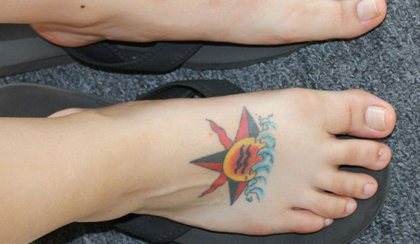 Star Tattoo Design on Foot 21