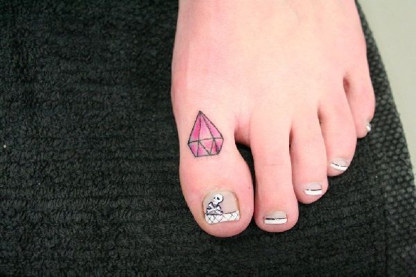 Diamond Tattoo Designs on foot 14